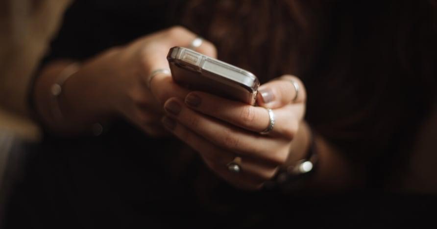 Por qué deberías jugar al casino en tu móvil